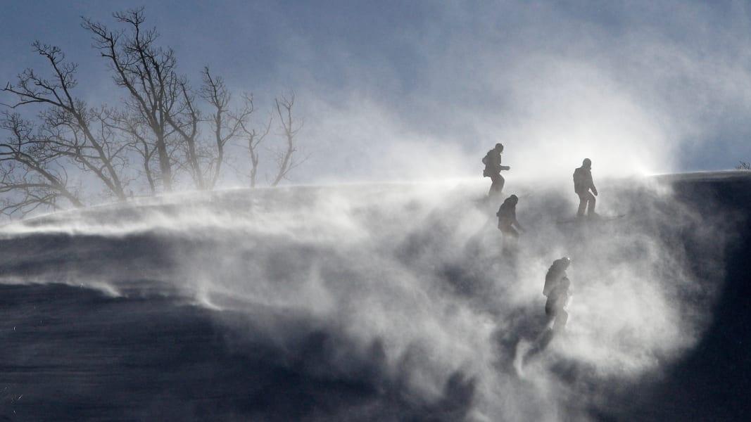 14 winter olympics 0212 giant slalom postponed
