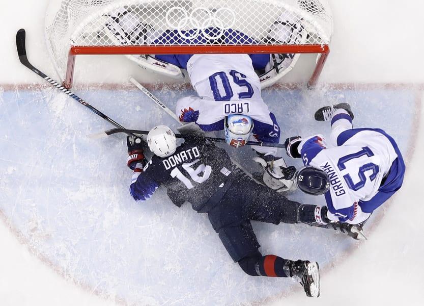 05 olympic gallery 0220 hockey