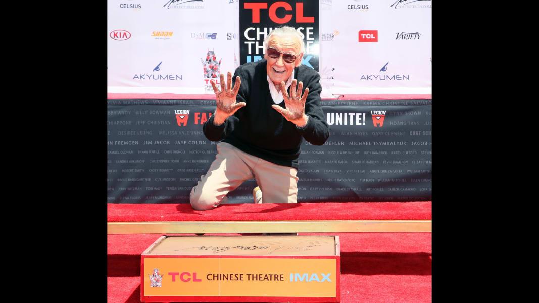 32 Stan Lee RESTRICTED