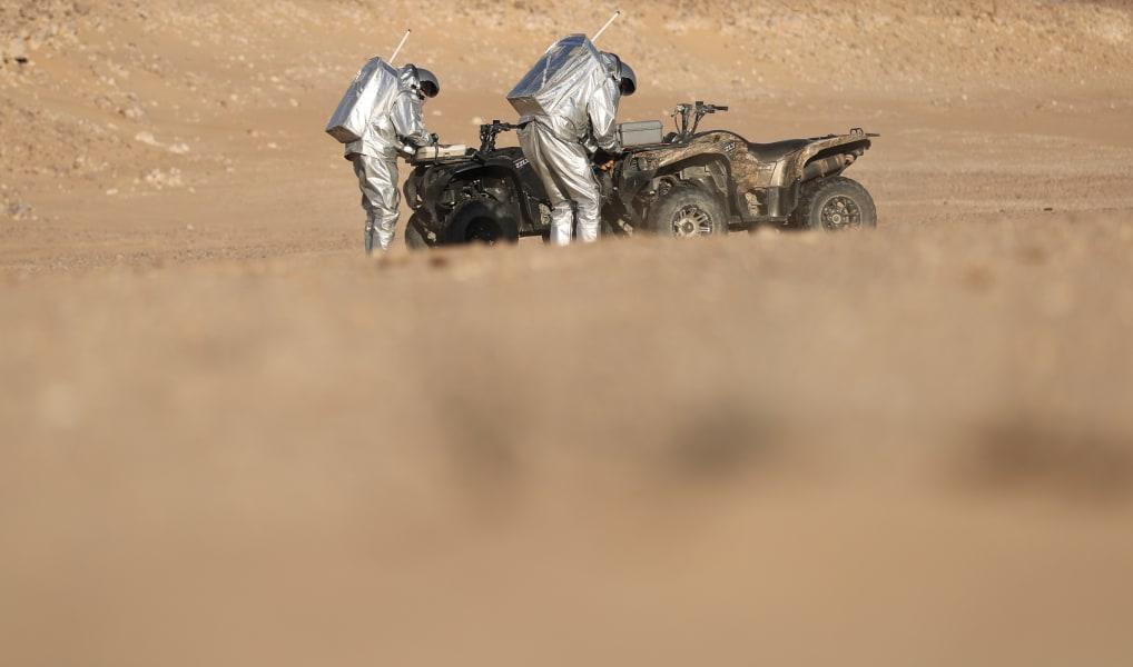 Oman desert buggies suits