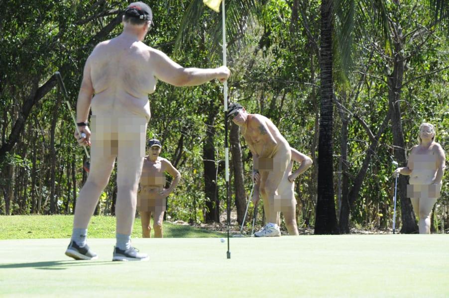 01 nude golf