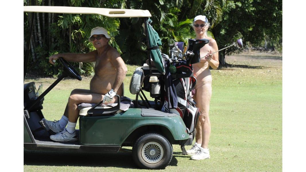 03 nude golf