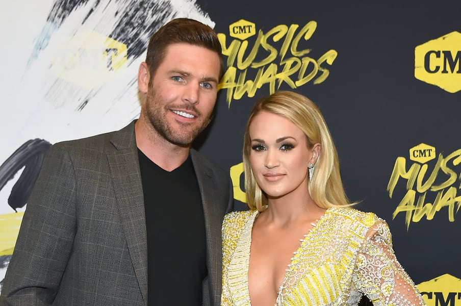 01 carrie underwood mike fisher 0808
