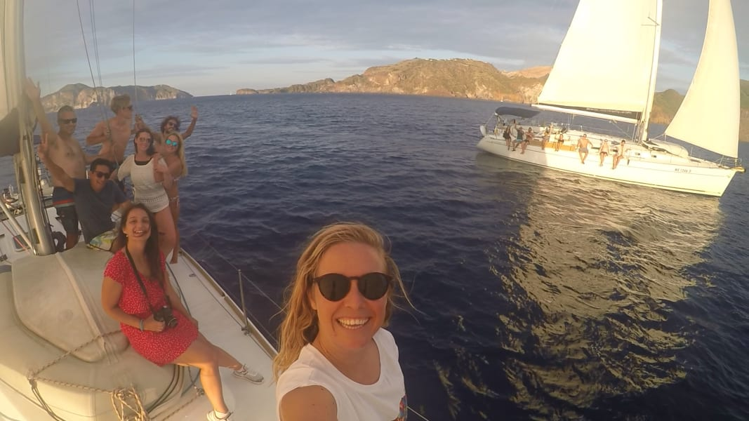 Hitchsailing crew