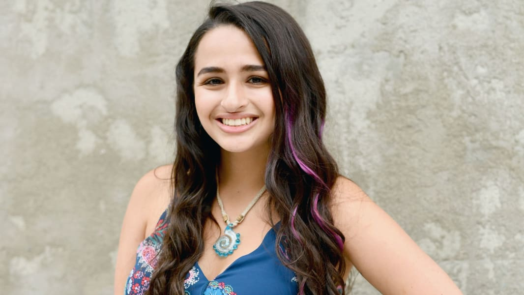 01 jazz jennings 1006