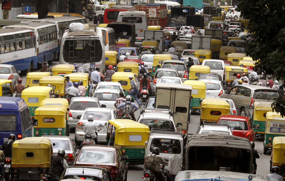 01 Bangalore Traffic FILE 1025