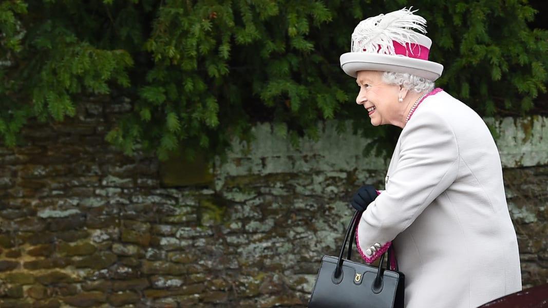 03 british royals xmas
