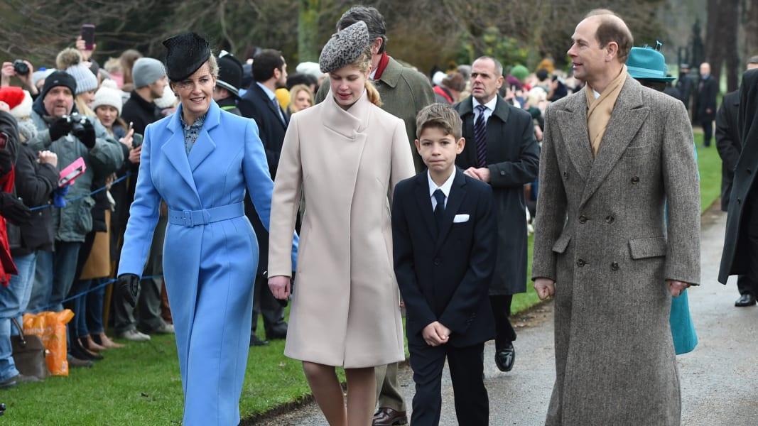 05 british royals xmas RESTRICTED