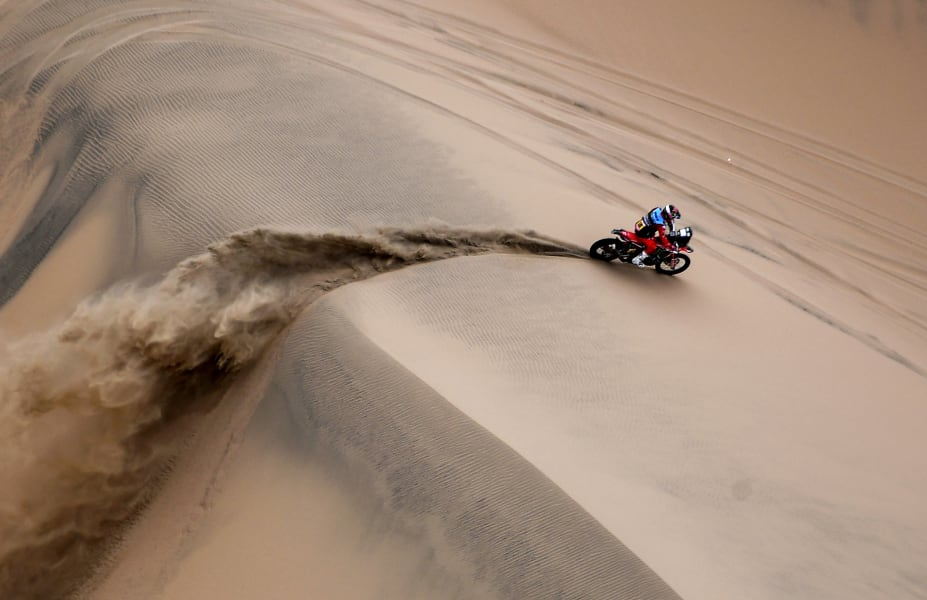 dakar rally sand dune