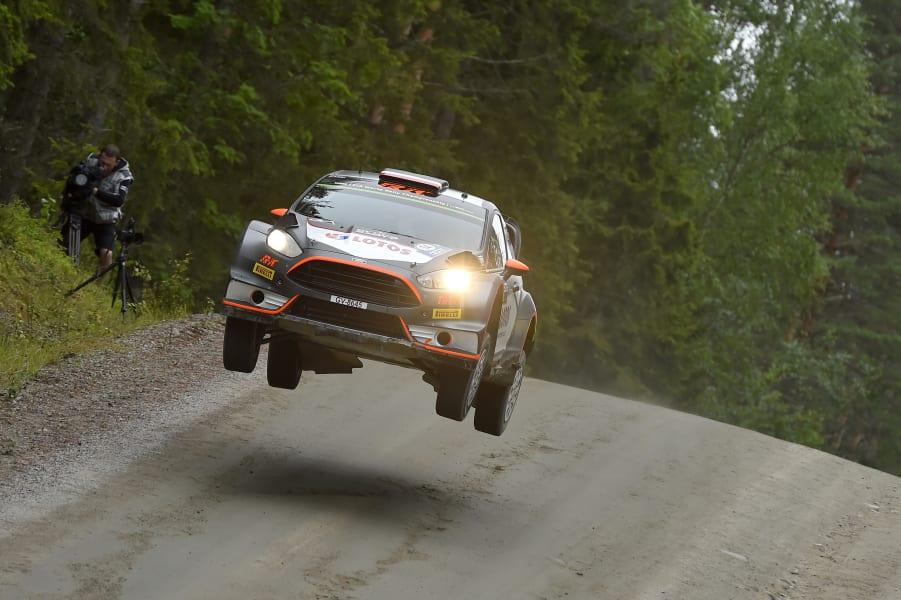 robert kubica rally take-off