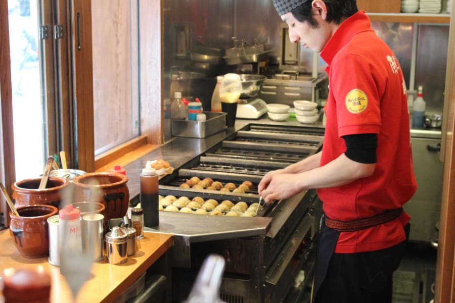 Rugby World Cup Travel Guide - Akasaka takoyaki chef