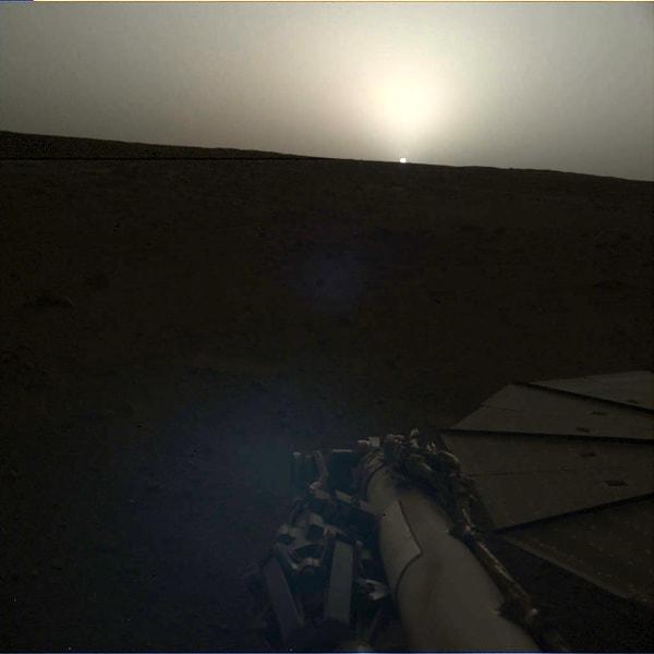 02 mars insight sunset