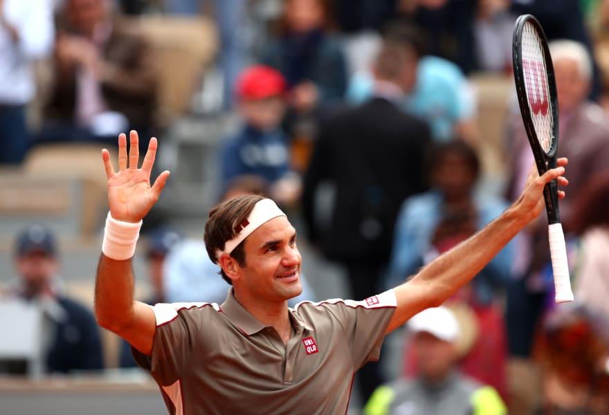 Federer return