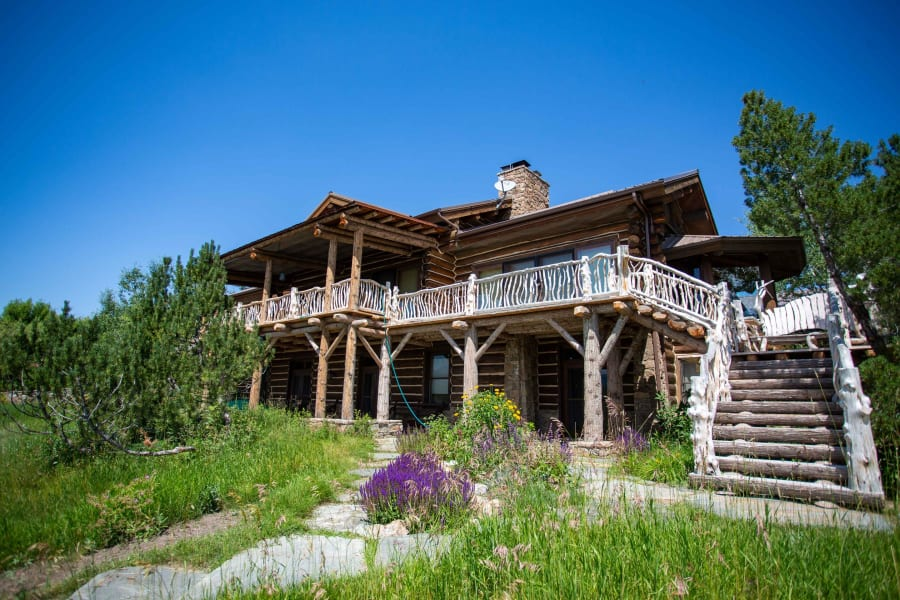 ted turner wooden house