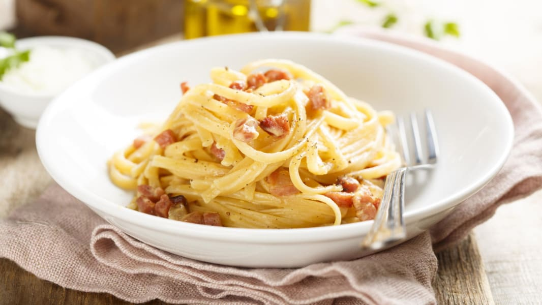 05 eggs around the world_carbonara