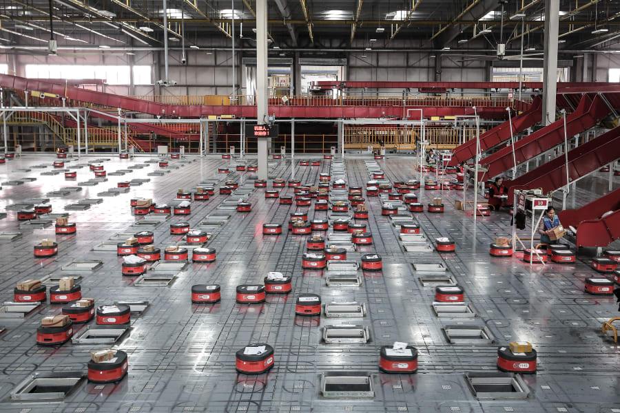 china warehouse robots double 11