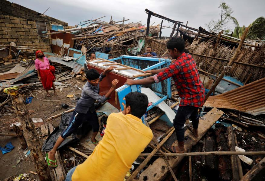 05 Cyclone Tauktae 0518 GUJARAT