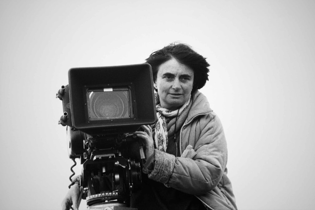 Agnès Varda behind her camera during the filming of
