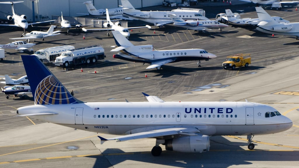 Airlines make 27 billion beyond ticket revenue cnn travel united airlines collected more revenue from ancillary fees and programs than any other airline analyzed in sciox Choice Image