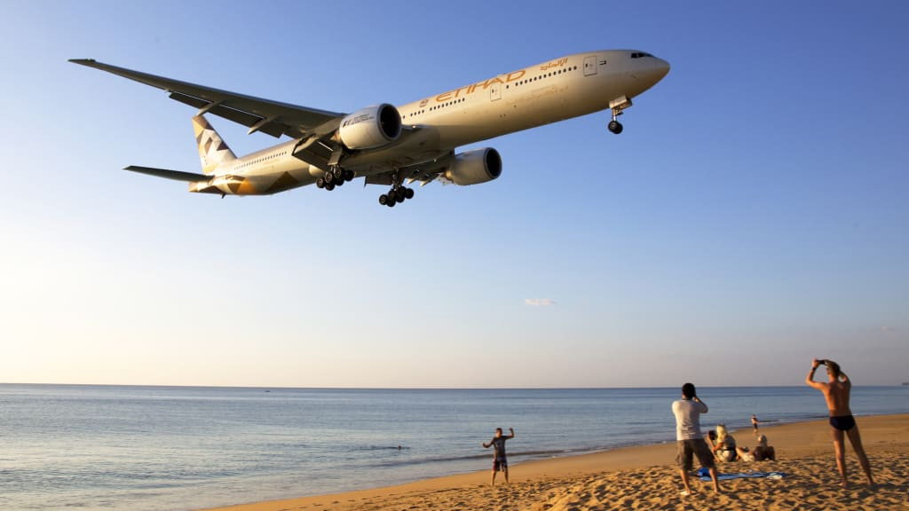 plane spotting how a beginner can id commercial jets cnn travel