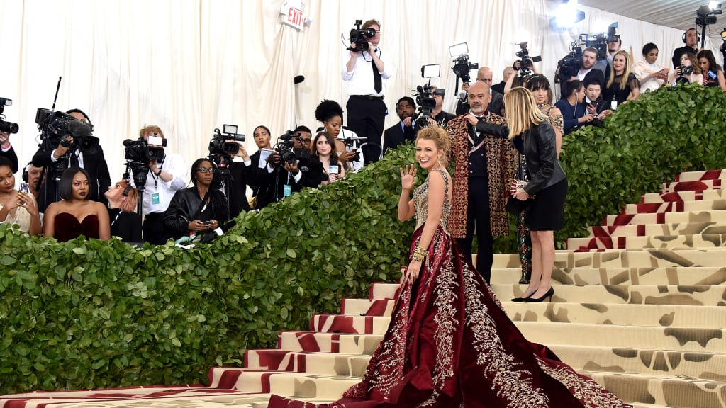 Download Met Gala 2018 Anna Wintour - http%3A%2F%2Fcdn  Best Photo Reference_881612.jpg