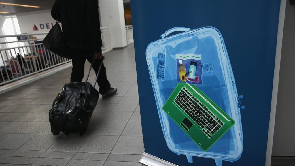 Với Máy quét sân bay mới, có thể bạn sẽ không bao giờ phải gỡ vật phẩm ra khỏi hành lý nữa
