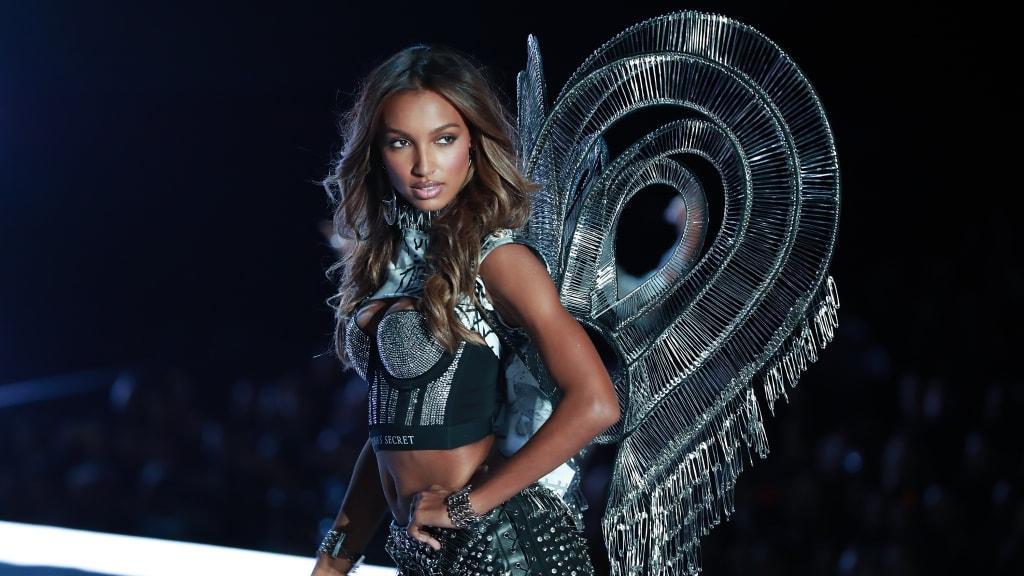 Shanghai China November 20 Victorias Secret Angel Jasmine Tookes Walks The Runway For