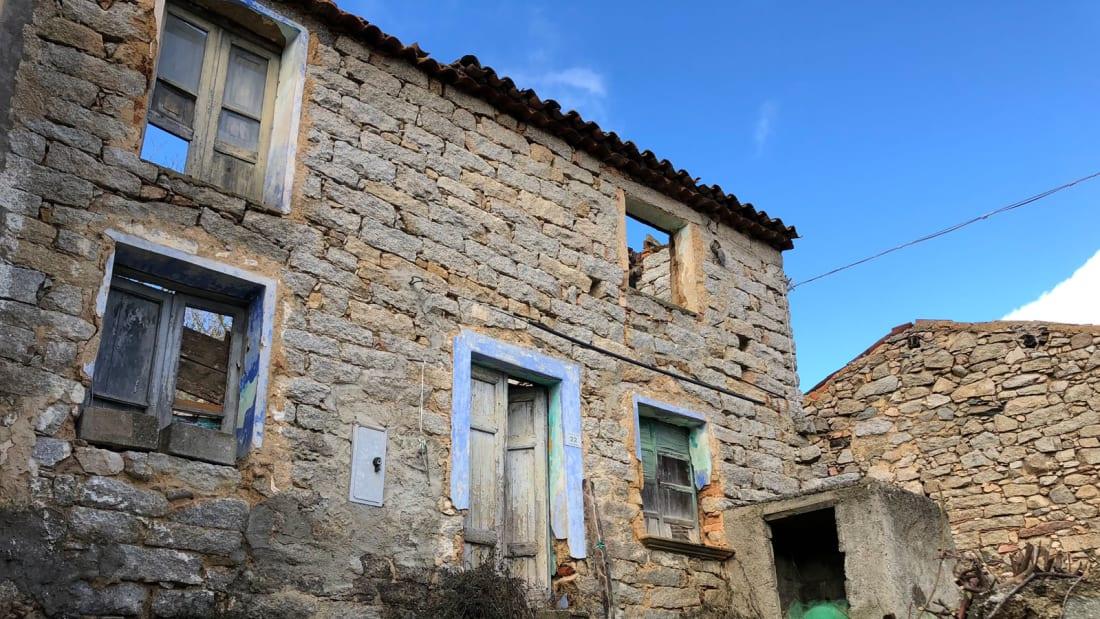 Thị trấn Ý rao bán nhà giá...1 USD - Ảnh 2.