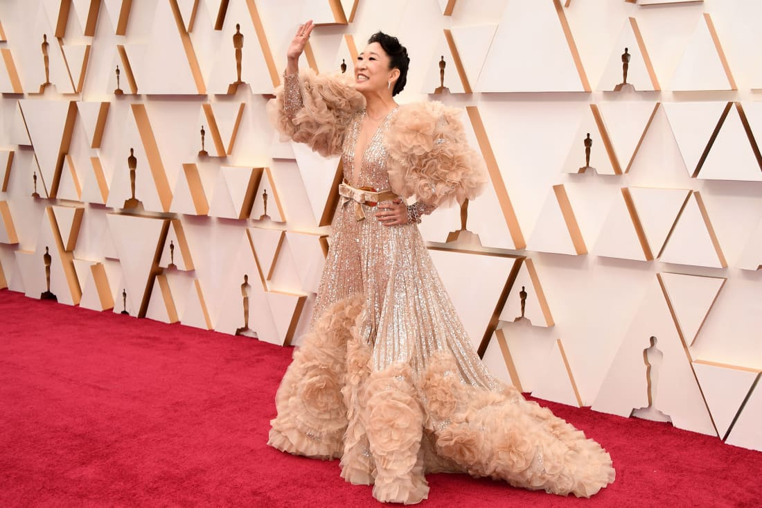 08 fashion oscars 2020 Sandra Oh