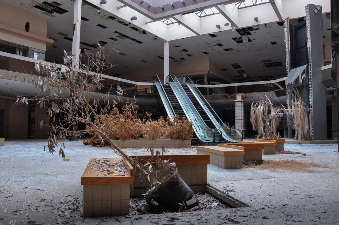 11 centros comerciales abandonados sin ley de seph