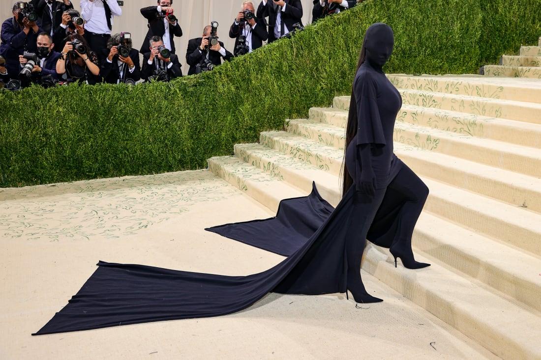 35 met gala red carpet 2021 Kim Kardashian