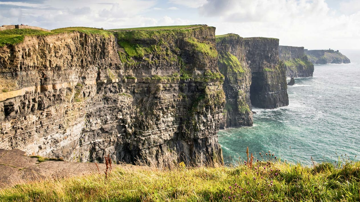 Cliffs of Moher (Clare): Perhaps Ireland's most famous attraction, the 214-meter-tall Cliffs of Moher attract around a million visitors each year. It's on the southwest edge of the Burren region.