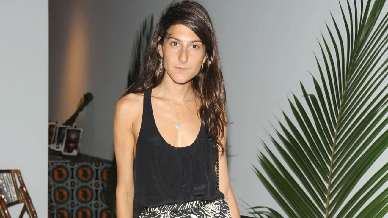 Vanessa Perilman, được trưng bày ở đây tại Phòng trưng bày Max Lang ở Thành phố New York vào ngày 22 tháng 6 năm 2010, là trưởng bộ phận thiết kế quần áo nữ tại Zara.