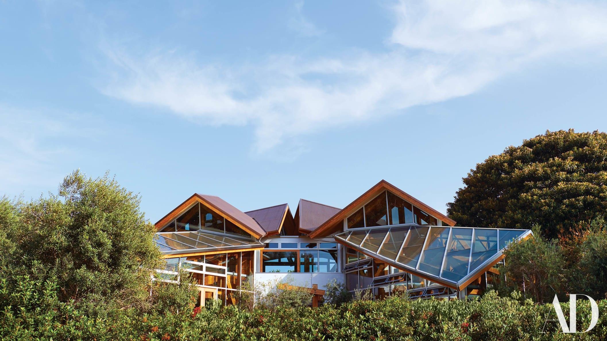 在壮观的家里,弗兰克盖里为自己建造