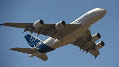 Plane spotting: How a beginner can ID commercial jets | CNN Travel