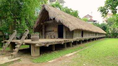 Wooden Houses Of Central Vietnam Intrigue Visitors Cnn Travel