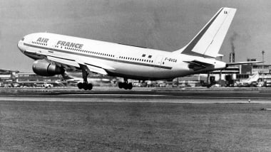 20 vintage planes you can still fly in   CNN Travel