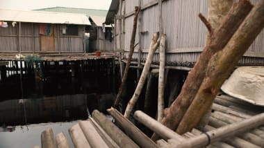 Ghana's floating village of Nzulezo tries to keep traditions alive
