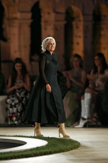 Fendi Stages Couture Fashion Show Amid Ruins Of Ancient Rome Cnn Style