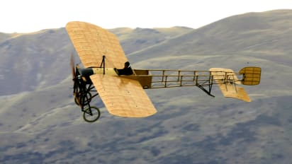 Whats Hurry About Flying South When >> 20 Vintage Planes You Can Still Fly In Cnn Travel