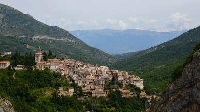 Map Of Italy Abruzzo Region.10 Reasons To Visit Abruzzo In Italy Cnn Travel
