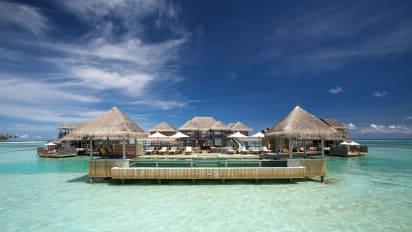 Find World S Largest Overwater Villa In The Maldives Cnn Travel