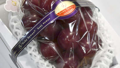 This bunch of grapes just sold for $11,000 in Japan | CNN Travel