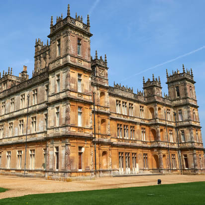 The Real Life Downton Abbey Is Being Listed On Airbnb Cnn Style