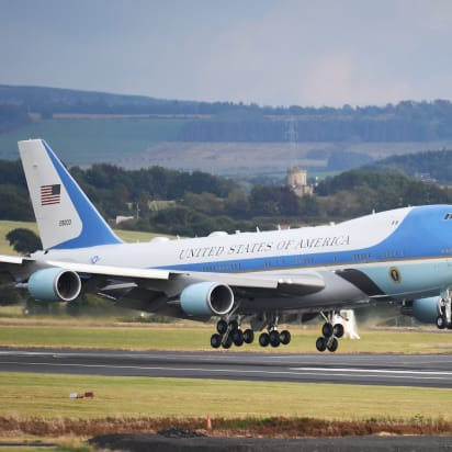 watch 65855 c18c7 Air Force One carrying the President of the United States, Donald Trump and  First Lady