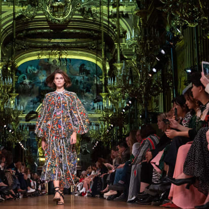 Paris Fashion Week Will Go Ahead In September Despite Covid 19 Cnn Style
