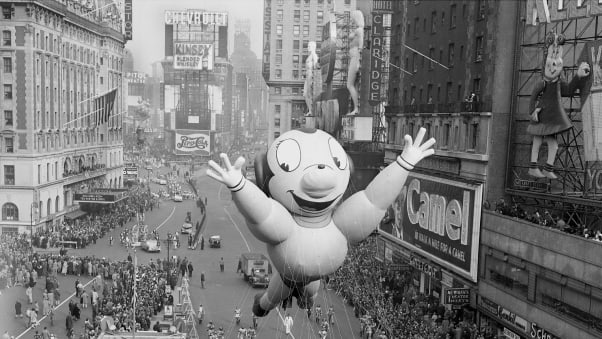06 macy's parade balloons RESTRICTED