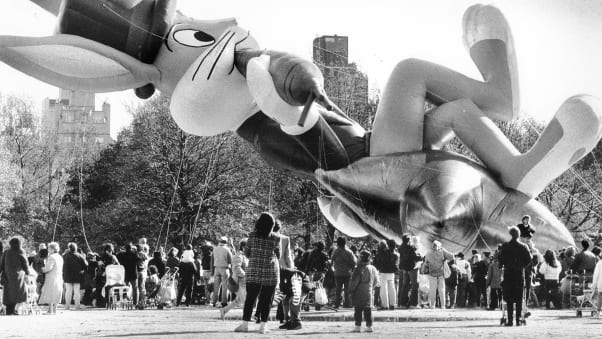 16 macy's parade balloons RESTRICTED