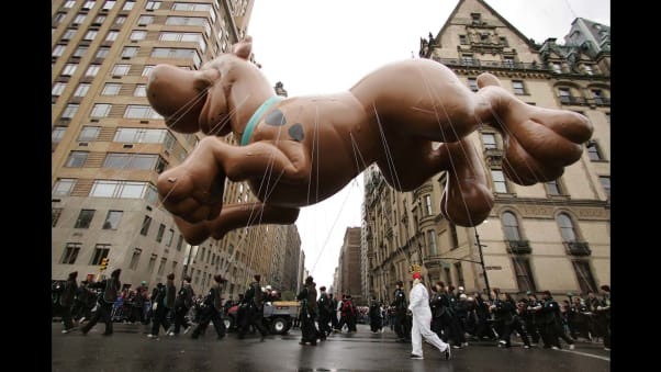 23 macy's parade balloons RESTRICTED