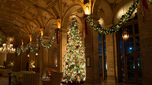 at the breakers in palm beach florida christmas decorations add sparkle to the elegant - Florida Christmas Decorations